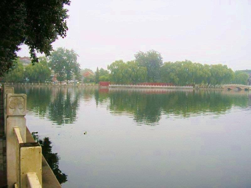 lac Qianhai en été