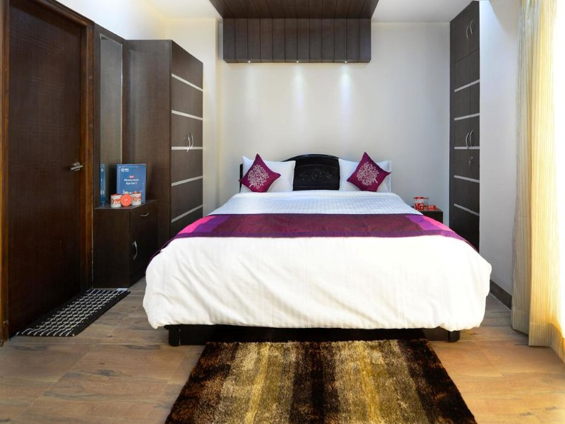 Balcony room 1 In Hitech Shilparamam Guest House, holiday rental in Hyderabad