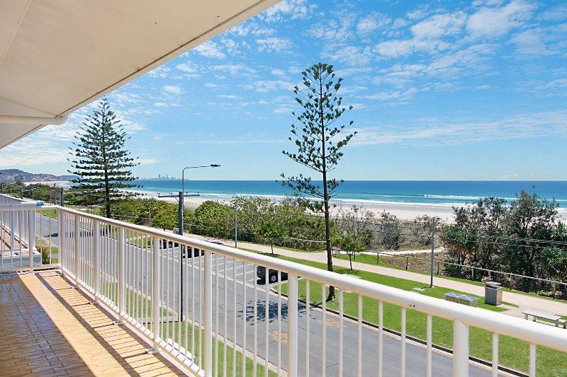 Longbeach 11 - Bilinga/ North Kirra Beachfront, vacation rental in Bilinga
