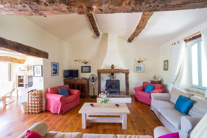 Laurac Villa Sleeps 8 with Pool - 5386512, vacation rental in Pech-Luna