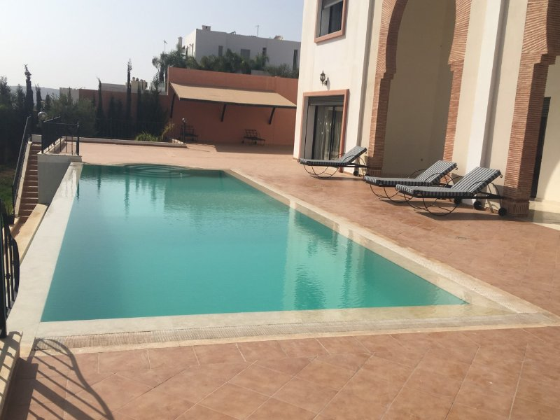 Spacious Comfortable 7 Bedrooms Villa with Swimming Pool  Ref: T72024, holiday rental in Agadir