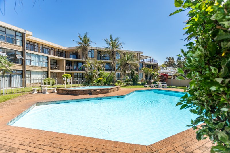 33 Boulder Bay Ballito Beachfront: Sea Views & Beach Promenade, casa vacanza a Salt Rock