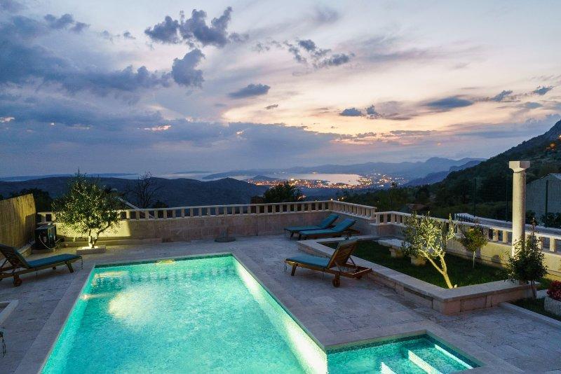 Godetevi serate area piscina in un ambiente di assoluta tranquillità