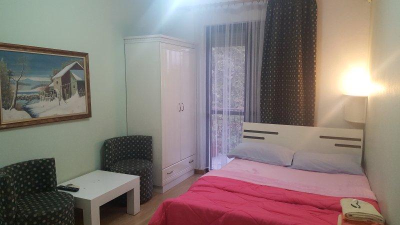 Privat Rooms, alquiler vacacional en Qerek