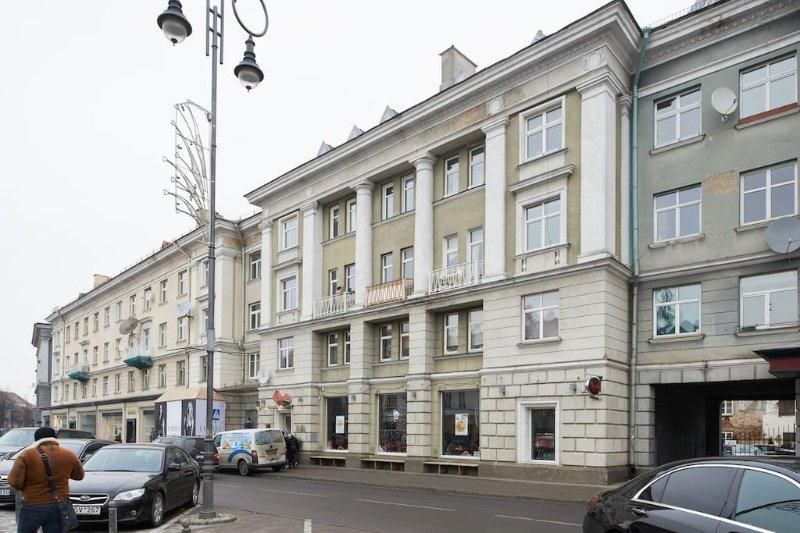 One-bedroom apartment in Vokieciu, aluguéis de temporada em Condado de Vilnius