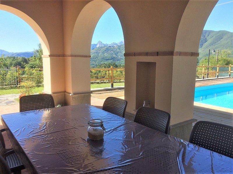 Dine al fresco with a mountain vista!