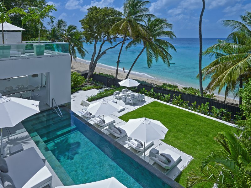 Beachfront contemporary 5 bedroom villa with gym and spectacular ocean views, holiday rental in Porters