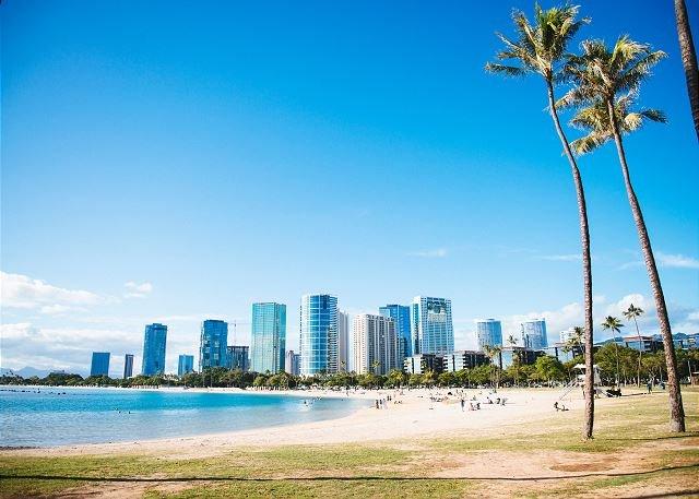 Consultez la Kaka'ako Skyline à l'Ala Moana Beach Park