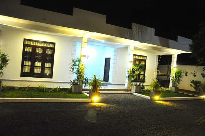 Airport Grand Holiday Home, Ferienwohnung in Gampaha