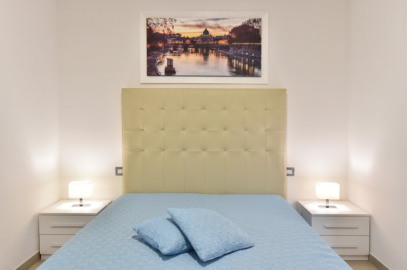 """Room Roma, with bathroom, minibar, LCD TV 43 """", air conditioning and wi-fi."""