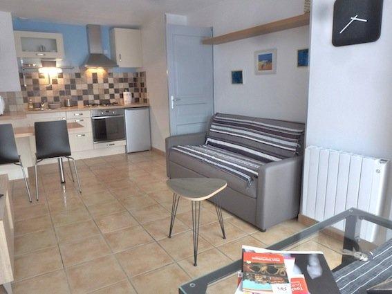 appartement calme avec balcon proche métro et commerces, holiday rental in Toulouse