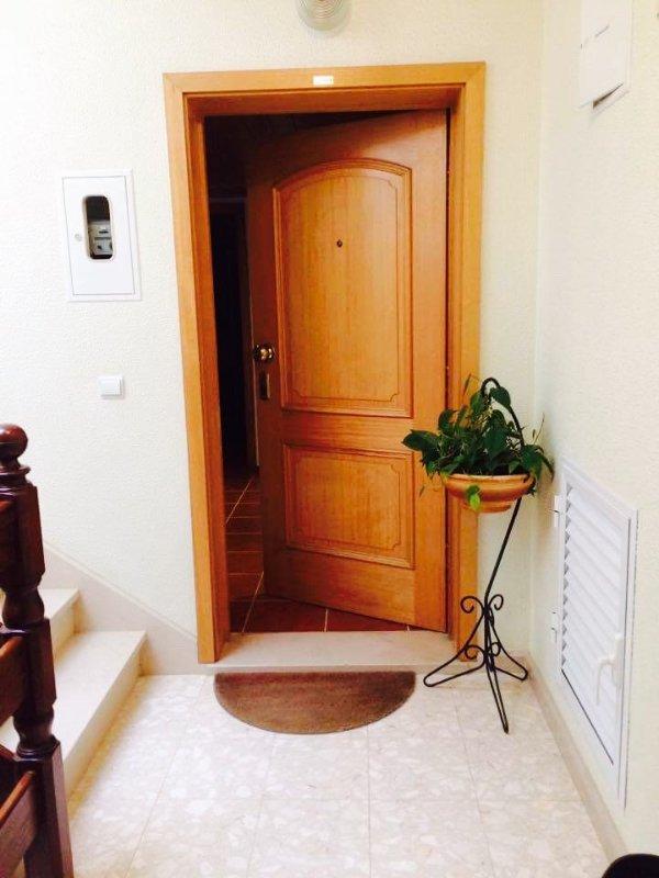 Porta de entrada do apartamento