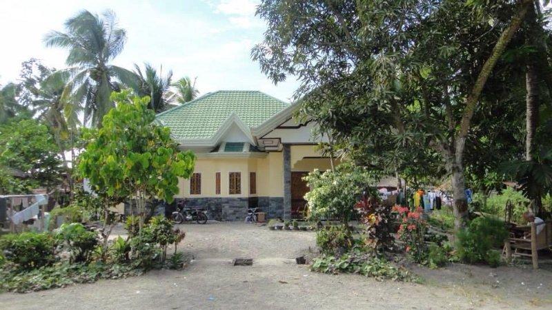 Davao City Beautiful 3 Bedroom House with Gazabo, alquiler vacacional en Davao Oriental