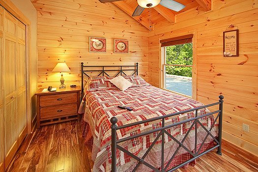Third Floor Queen Bedroom at Southern Sunrise