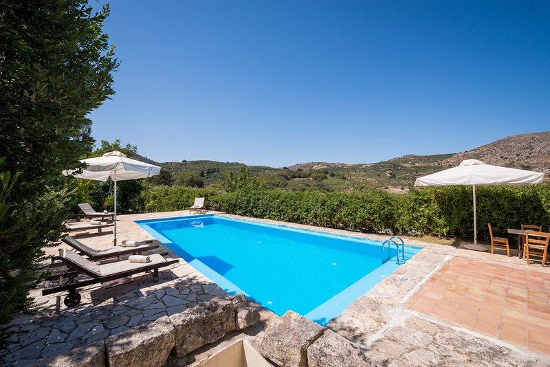 myholidayhome/Little Treasure /Pool, away from the Usual, back to Nature, holiday rental in Sougia