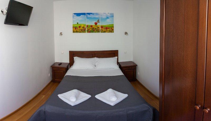 Monika's bright apartament, holiday rental in Selimbar