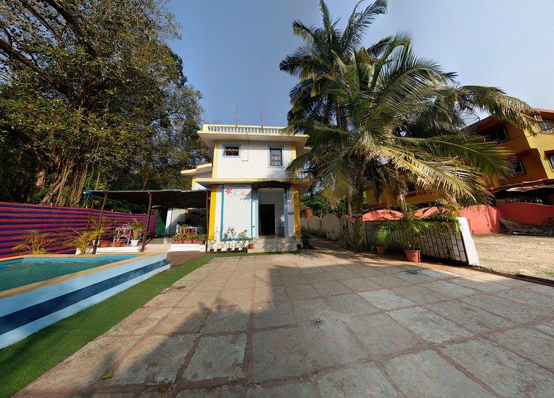 La Marine- Villa indépendante avec piscine / petit déjeuner / mts à pied de la Beach- « vous êtes en de bonnes mains ».