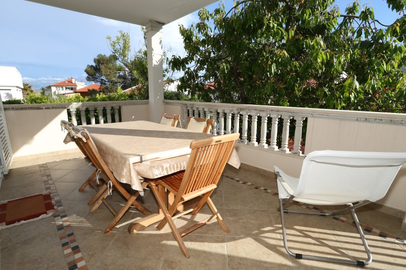 Marvelous Apartment with Terrace, location de vacances à Baska