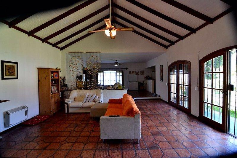 HERMOSA CASA EN PUNTA DEL ESTE, holiday rental in Punta del Este