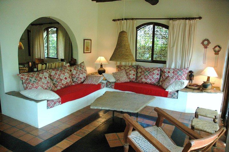 Flamboyant Villa - Shambani, holiday rental in Kwale