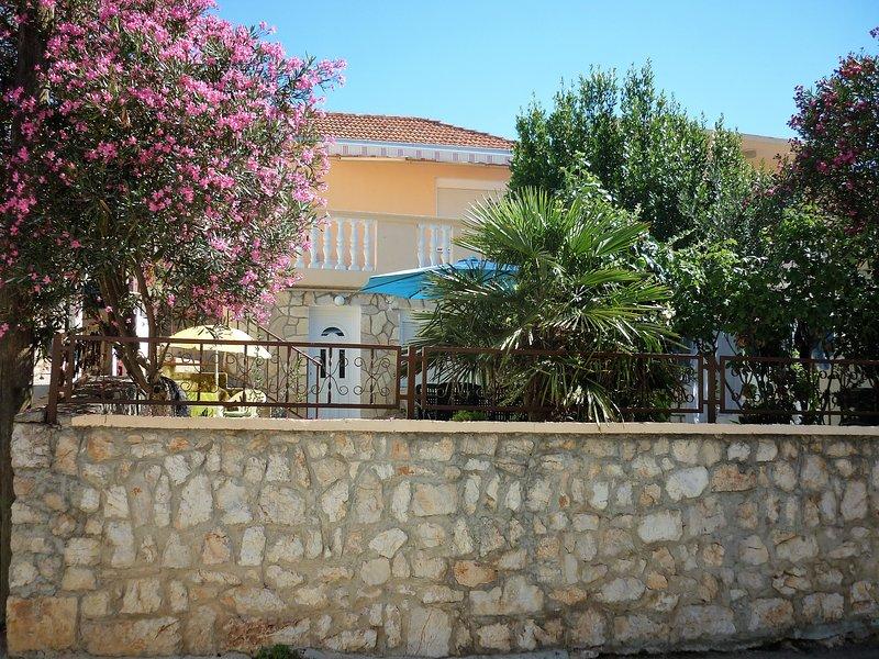 Apartment Agrimonia, location de vacances à Tisno