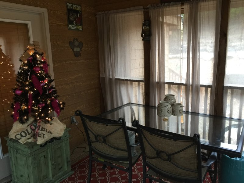 2nd pic of Outdoor patio with 2nd Christmas tree
