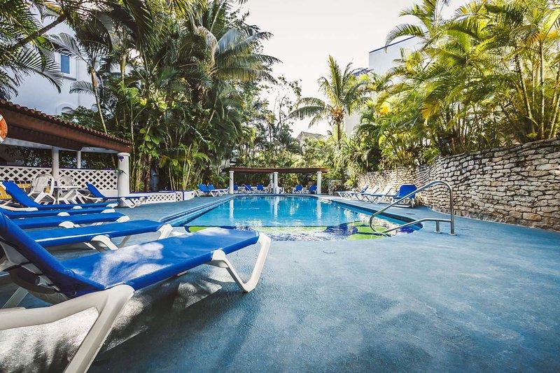 La piscine Naz TI Ha