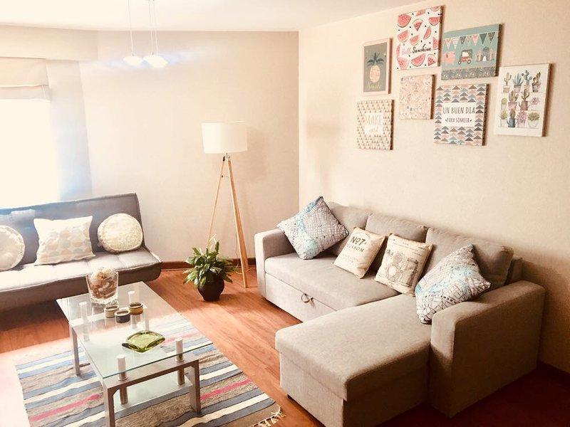 Comfortable apartment in the heart of Barranco,  10 min away from Larcomar, aluguéis de temporada em Santiago de Surco
