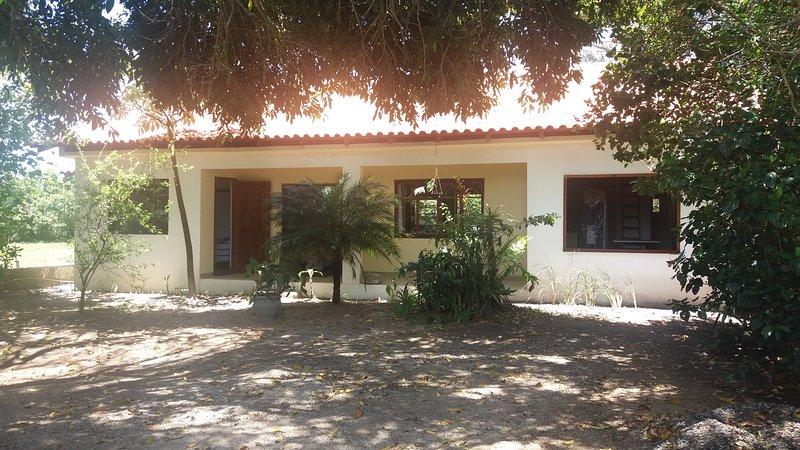 Pousada Canto do Boto Quarto III, holiday rental in Laguna