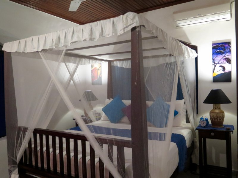 Galle City Villa Bedroom 1 ( A home away from home), holiday rental in Gintota