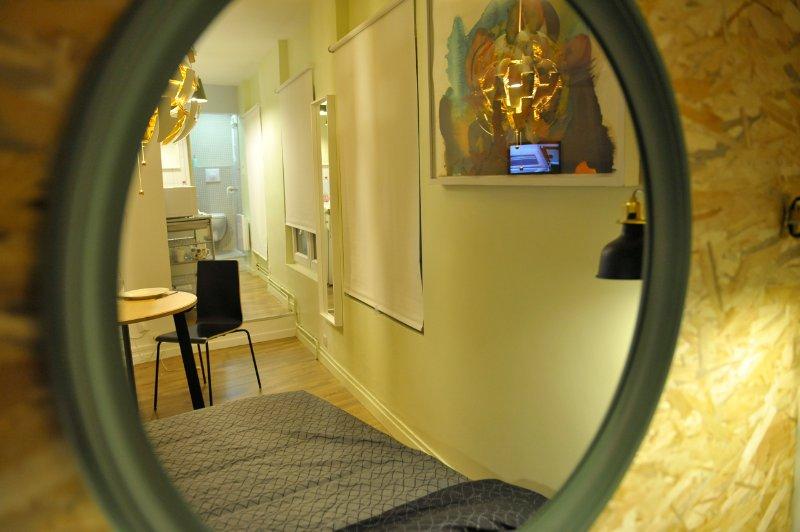 reflet miroir séjour cuisine