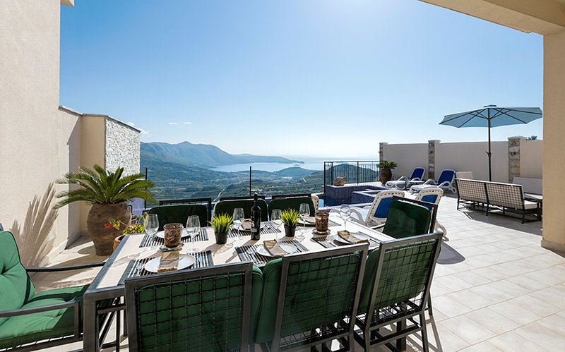 Dreaming of private dining with a view to the Dubrovnik Riviera?