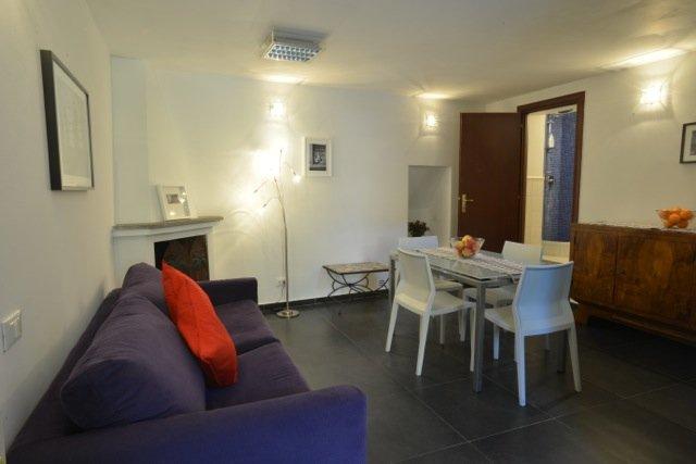 Trastevere lägenhet med terrass - vardagsrum