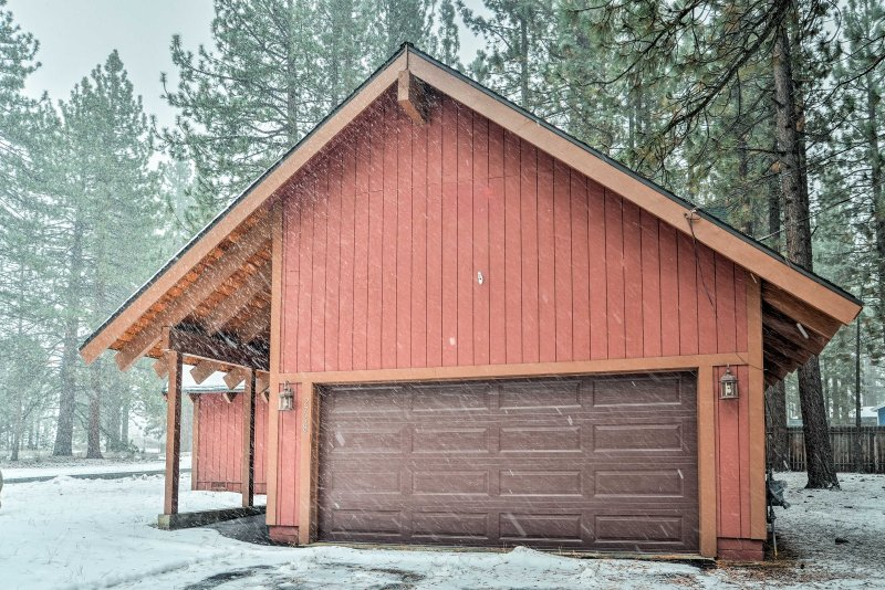 Retreat to this updated cabin after visiting casinos or dining downtown.