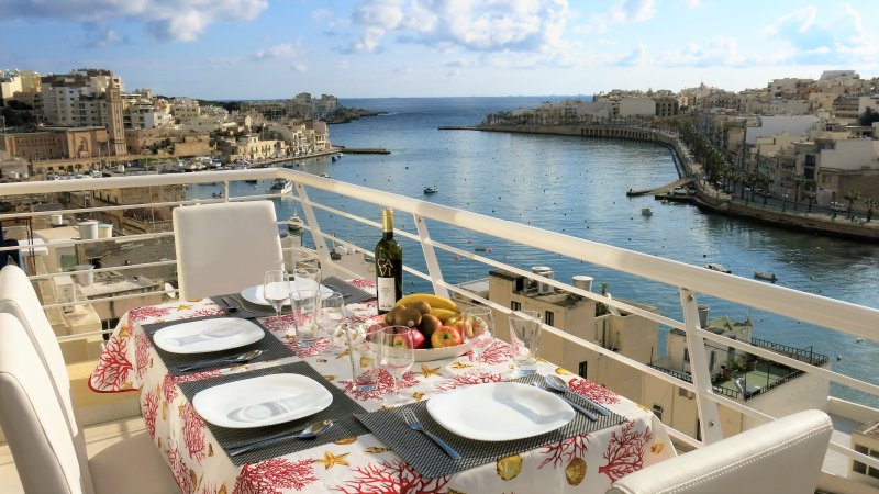 Terrace with stunning harbour view