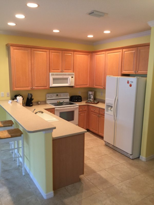 Full Kitchen with all modern appliances and dinner ware for 6