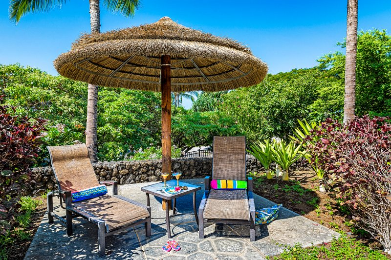 Enjoy your favourite drink and a book under a palapa at the lagoon pool.  What are you waiting for?