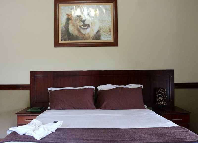 Enviro Guest House - Deluxe Queen Room with River View 3, holiday rental in Botswana