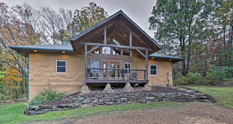 A serene getaway awaits at the custom built 3-bedroom, 2.5-bathroom vacation rental house in Carbondale!