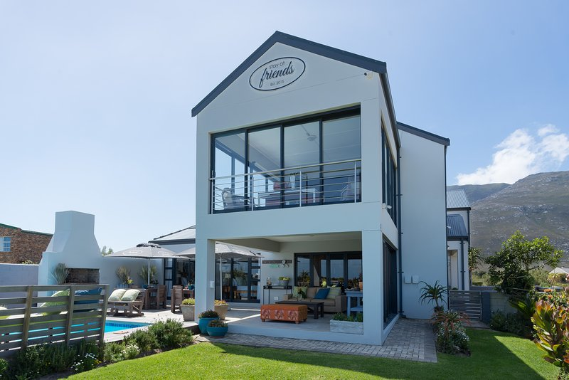 Stay at Friends Guest House Bettys Bay, casa vacanza a Overberg District