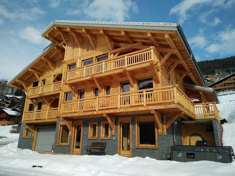 Chalet Three Ducks - Luxury Ski Chalet, Jacuzzi, Sauna