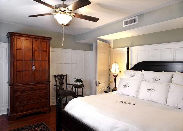 Garden Suite 2nd Bedroom with King Bed