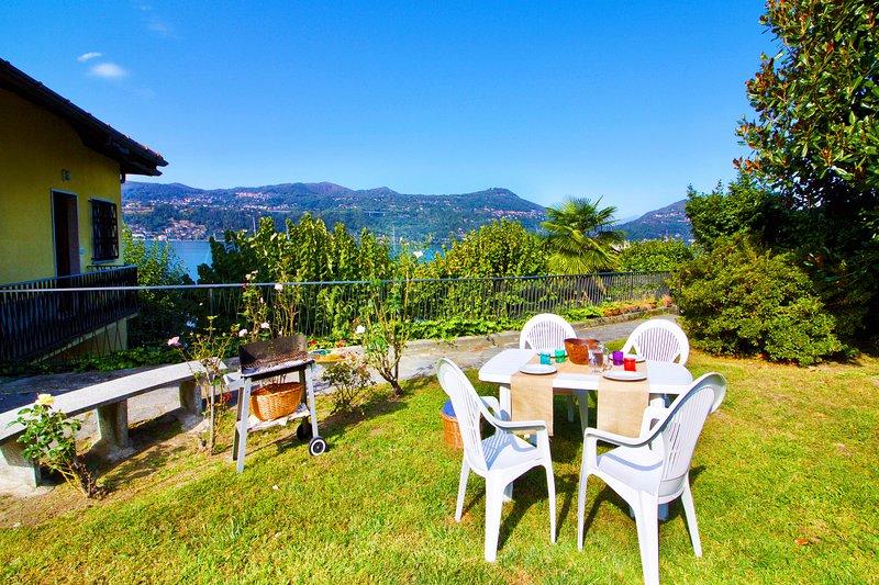 Enjoy al fresco meals in the garden
