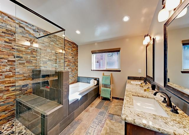 Master Bathroom En-suite
