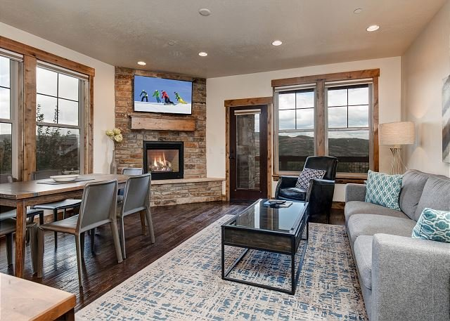 Pristine Condo – Closest Rental to the Famous Jordanelle State Park, holiday rental in Woodland