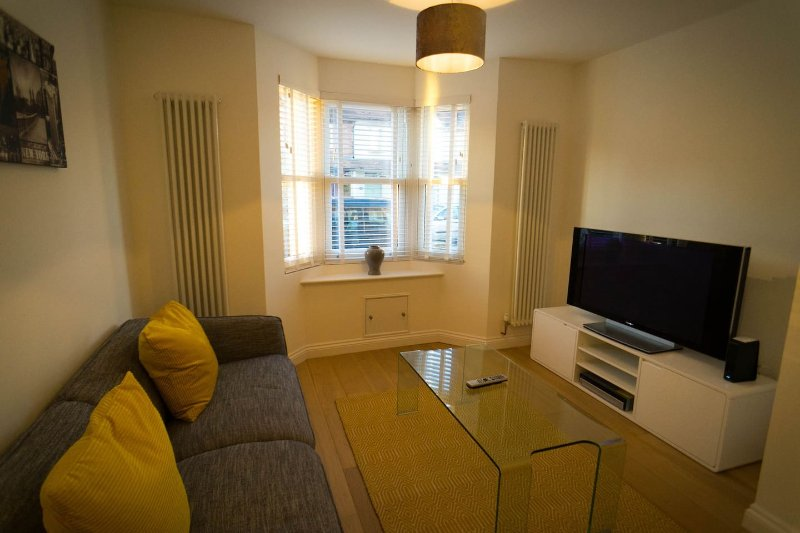 Beautiful and cozy victorian terraced house, a mile from Oxford City centre, vacation rental in Littlemore