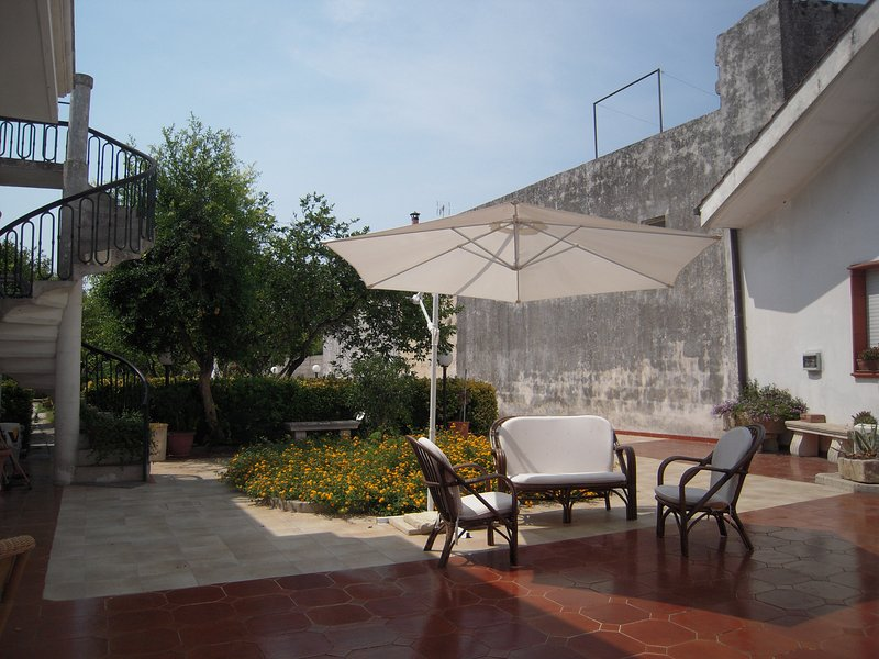 Villa Raffaela Residenza Rossa Salento Italia, holiday rental in Scorrano