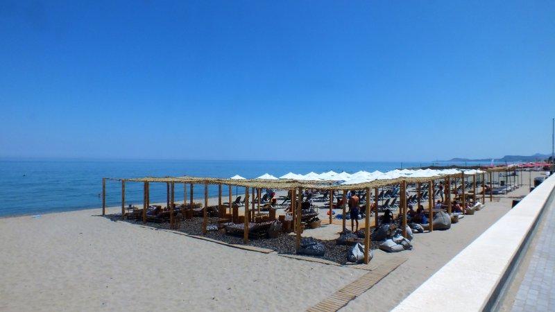 plage Rethymno 8 km. un moyen