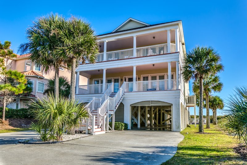 Wicker Cottage beautiful oeanfront 7BR home /private pool/hotub, location de vacances à North Myrtle Beach