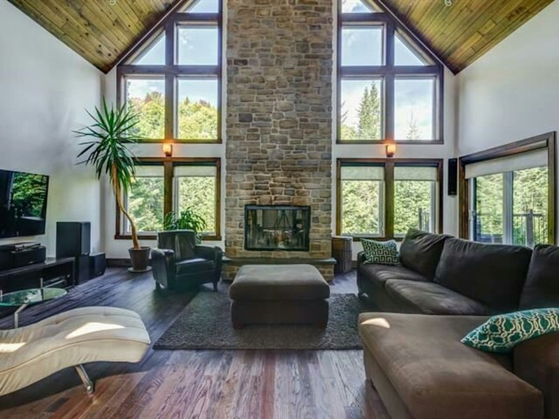 Prestige in Nature : Luxury Lakefront in heart of Laurentians, alquiler vacacional en Pine Hill